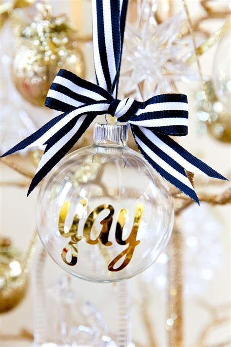cristmas ball write name diy personalized ornaments for pizzazzerie