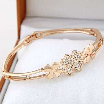 Kalung Fashion Bowknot Decorated high quality gold color decorated clover shape