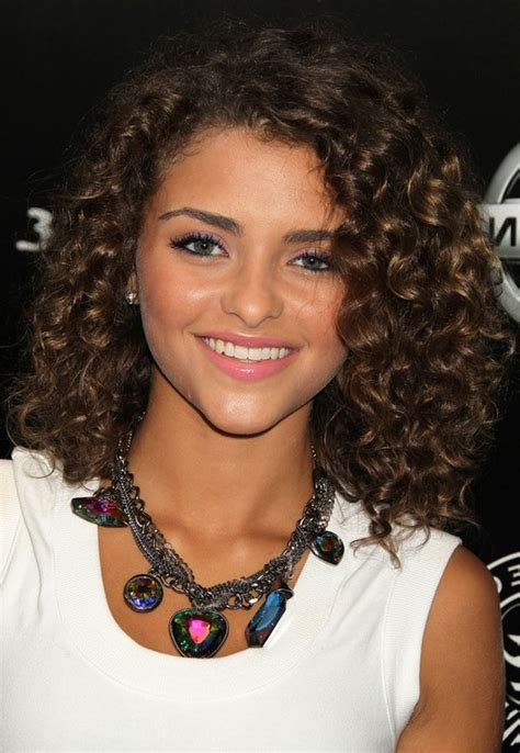 Shoulder Length Hairstyles Curly by Soft Curly Hairstyle For Shoulder Length Hair