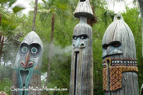 magic kingdom adventureland theming through totems