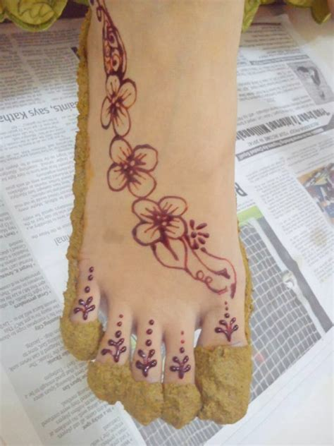contoh henna kaki  mudah