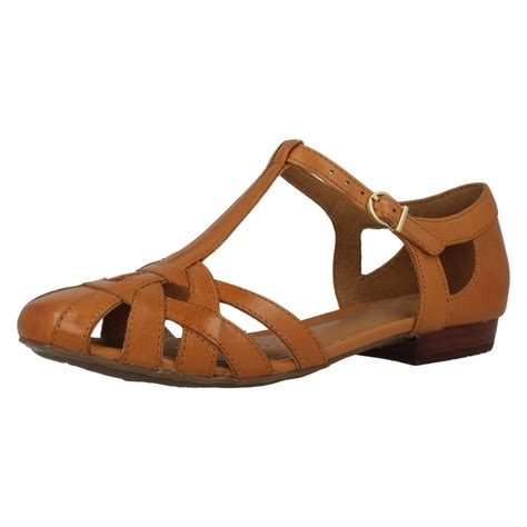 closed toes sandals clarks leather closed toe sandals henderson luck