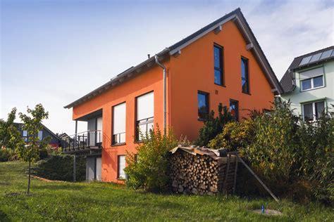 fassadengestaltung einfamilienhaus fassadengestaltung einfamilienhaus grau orange haus deko