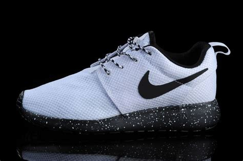 nike shoes roshe nike roshe shoes print white logo black