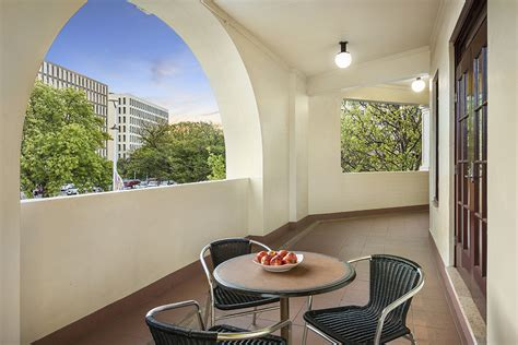 mediation rooms brisbane cbd canberra serviced apartments canberra accommodation