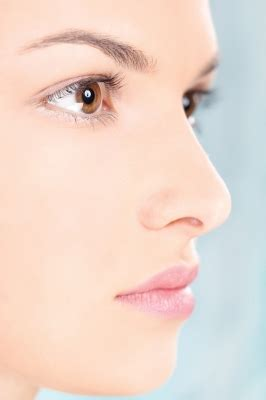 Get Livelys Fresh Faced Look by How To Get A Fresh Faced Makeup Look At Home