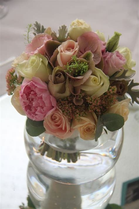 Becak Mini By Susi Florist Gift 1000 images about table posies decorations on