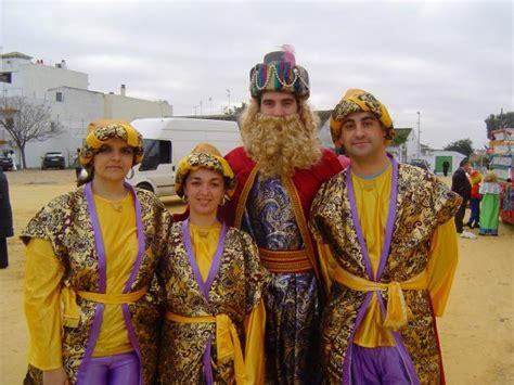 fotos reyes magos gaspar cabalgata de reyes magos 2008 gaspar y sus pages