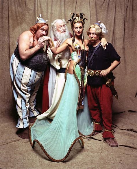 monica bellucci as cleopatra asterix and obelix fashion halloween costumes