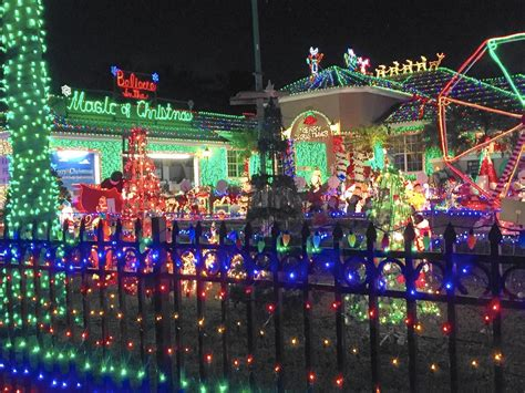 massive plantation christmas display lights up the