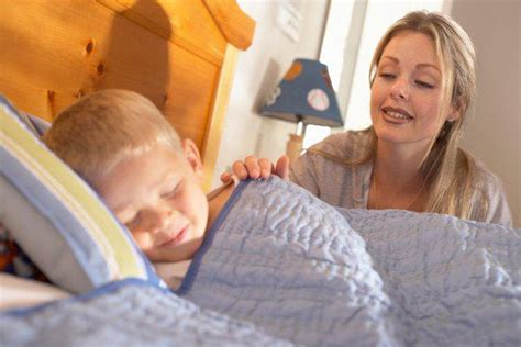 how to get in bed with your mom how to get your children to go to sleep