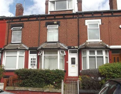 3 bedroom houses for rent in leeds terraced to rent 3 bedrooms terraced ls11 property