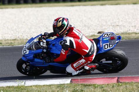 Motorradreifen Kosten by Sparen Bei Rennreifen Motorrad News