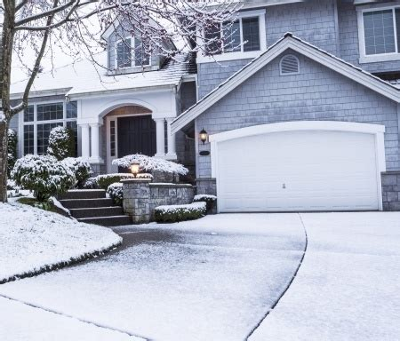 Heating A Garage In Winter by Ways You Can Fix A Frozen Garage Door Universal Garage Doors
