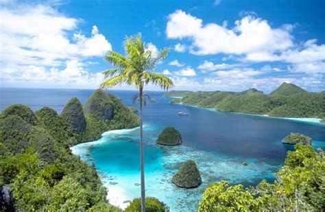 Tourism: Raja Ampat Islands