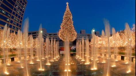 craft kc crown center 11 other famous christmas trees photos abc news