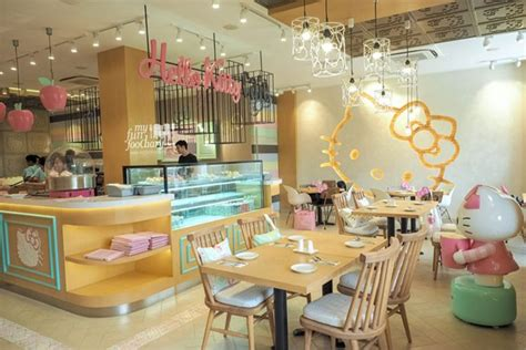design interior cafe indonesia new spot say hello to the cute original hello kitty cafe