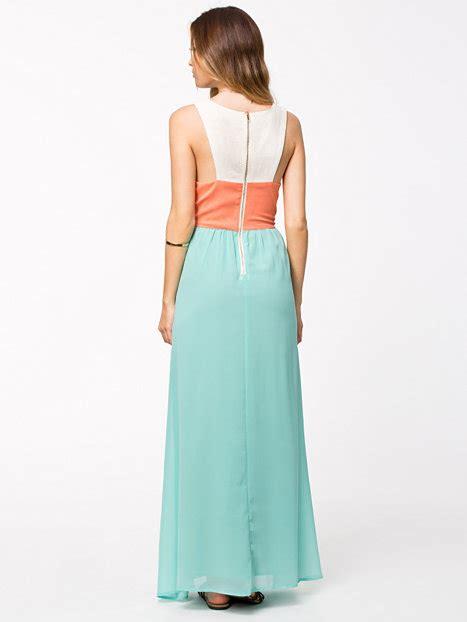 boutique maxi jurken embellished maxi dress aura boutique orange aqua