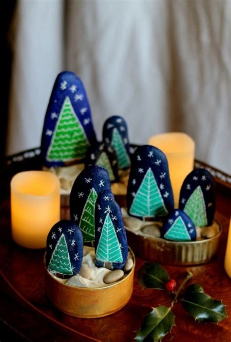 christmas painting  stones  pebbles  ideas  creativity  children  desired home