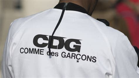 Topi Comme Des Garcons Logo Hat what you need to about comme des gar 231 ons before this year s met gala gq