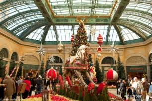 When Does Las Vegas Decorate For Christmas Christmas Has Arrived In Las Vegas Oyster Com