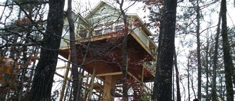 Enchanted Cottages Eureka Springs 1000 images about treehouses on trees treehouse cottages and vinyl wall