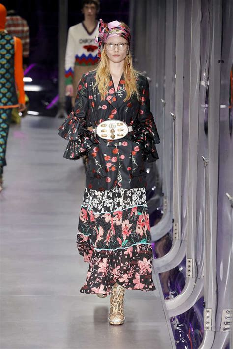 Gucci Floral White Pattern 2017 gucci fall winter 2017 ready to wear collection at milan