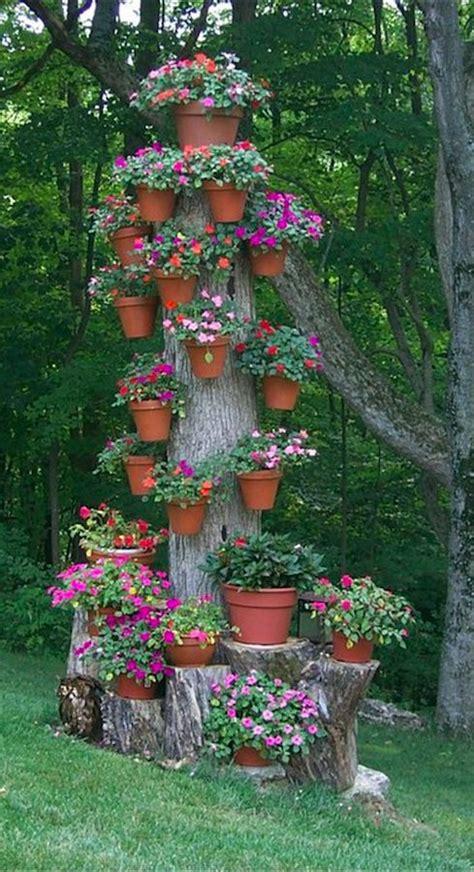 imagenes de jardines con troncos 20 ideas para decorar el jard 237 n con cosas recicladas