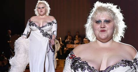 Beth Ditto Wants To Record A Duet With Kate Moss by Beth Ditto Shows Voluptuous Figure In Thigh High