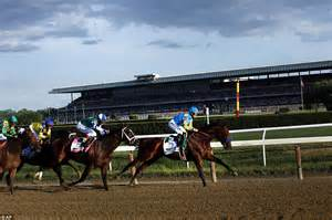 American Pharoah wins the Triple Crown after placing first