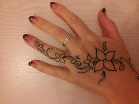 side of hand tattoo designs for women best 25 side tattoos ideas on finger