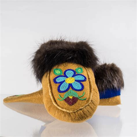 Handmade Moccasins Canada - handmade moccasins mens 9 womens 10 blue flower and