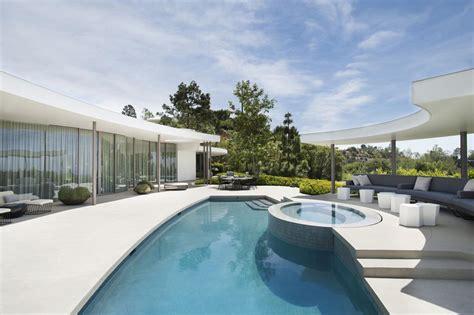 veranda verkleiden superbe maison d architecte totalement r 233 nov 233 e 224 beverly