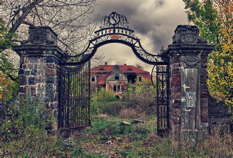 abandoned world 30 eerie abandoned places from around the world 5 is so