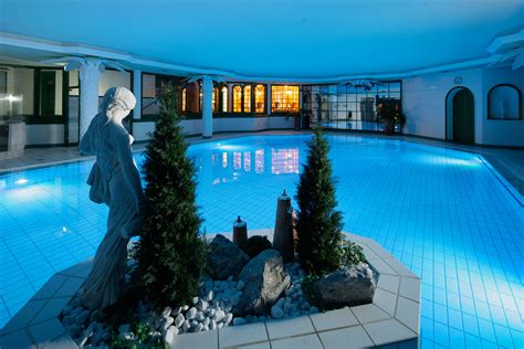indoor schwimmbad indoor schwimmbad f 252 r sport gymnastik im allg 228 u resort