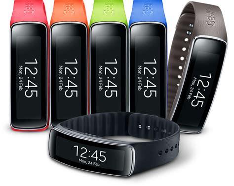 Smartwatch Gear Fit samsung gear fit smartwatch fitness armband uhr