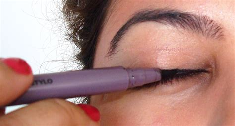 eyeliner tutorial with marker indianbeautyreviewer winged eyeliner tutorial using