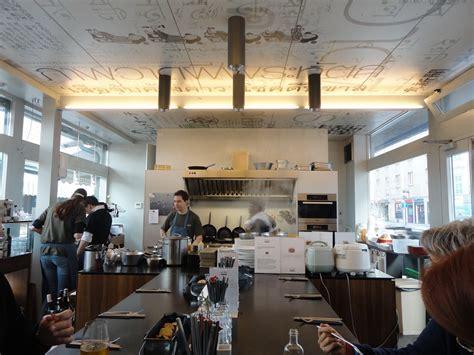 ristorante con cucina a vista i viaggi di raffaella naschmarkt il fascino di andare al