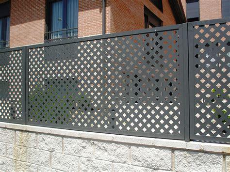 imagenes de mallas blancas cerramientos jardines expertos en espacios exteriores en