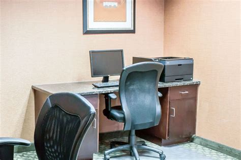 comfort suites rdu airport comfort suites raleigh durham airport research triangle