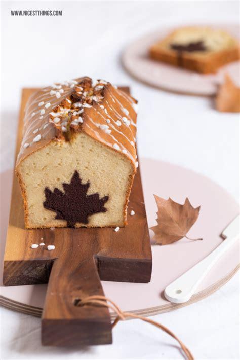 herbstlicher kuchen kuchen mit motiv herz blatt herbstlicher apfel zimt