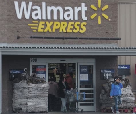 walmart closing time for walmart to 154 stores across the nation