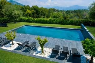piscine familiale de forme angulaire troph 233 e d argent
