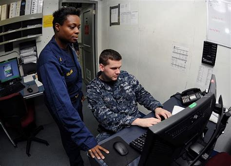 limited duty officer ldo the motivation the process the end state goal in becoming a mustang books uss abraham lincoln hosts recruitment for future