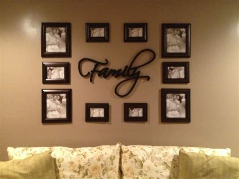 wall arrangements 1000 ideas about arranging pictures on