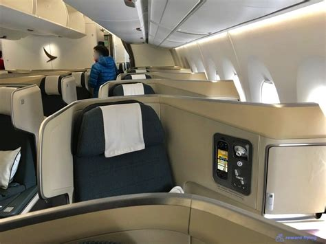 review of cathay pacific flight from hong kong to taipei