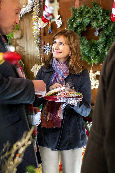 the christmas ornament cast kellie martin as kathy on the ornament hallmark channel