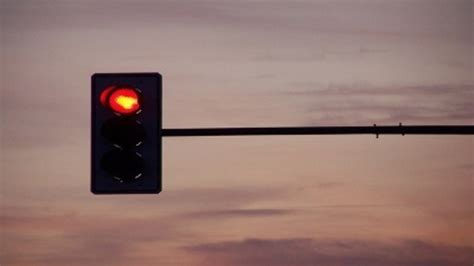 traffic lights tartlet my cafe boy calls police to report his father running red light