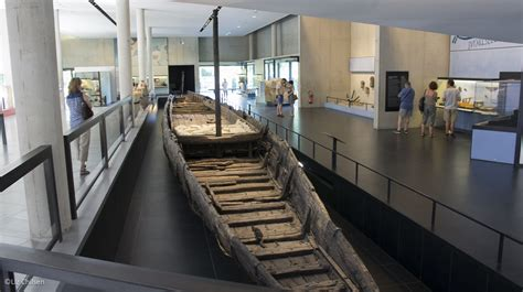 archaeological boat tour of chicago arles in southern france fetes and romans and photographie