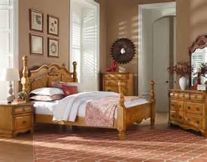pine bedroom set georgetown golden honey pine poster bedroom set 83000 standard furniture